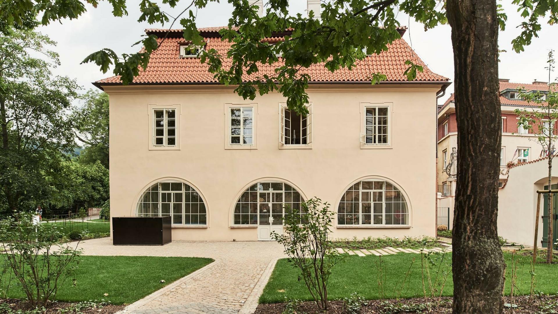 Architekt Marek Tichý přednáška komentovaná prohlídka wrichova vila kampa praha